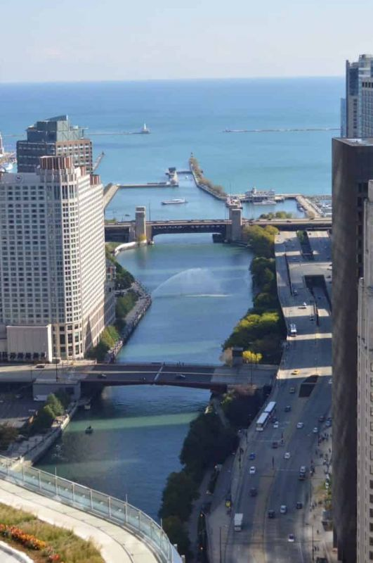 Beware of Chicago Bridge Lift Season