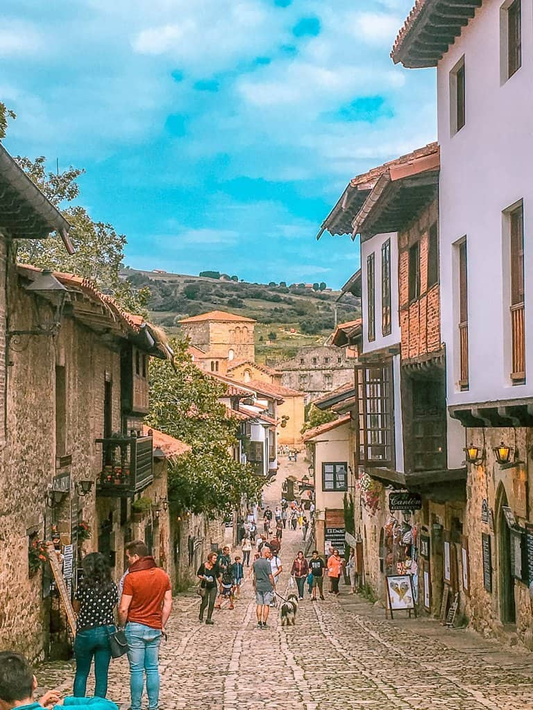 Santillana del Mar, the city of three lies.