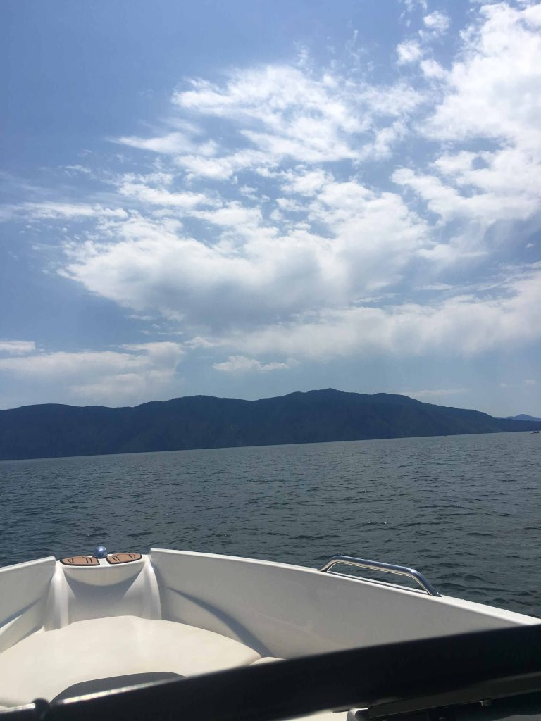 One of the things to do in Sandpoint Idaho is rent a boat on Lake Pend Oreille